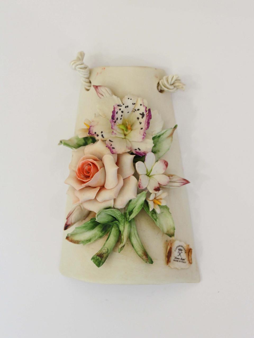 Панно из фарфора с композицией из цветов. Италия. Ручная работа
