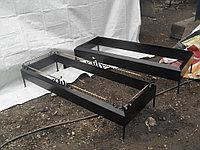 Металлические цветники на кладбище