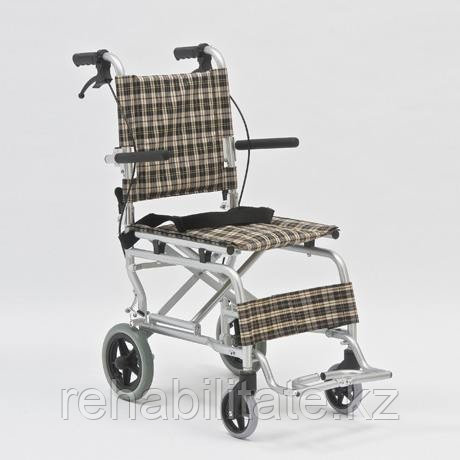 Легкое кресло-каталка FS804-37