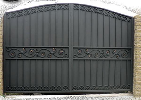 Ворота металлопрофиль с ковкой