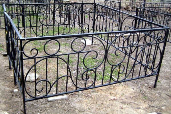 Ковка оградки на могилу