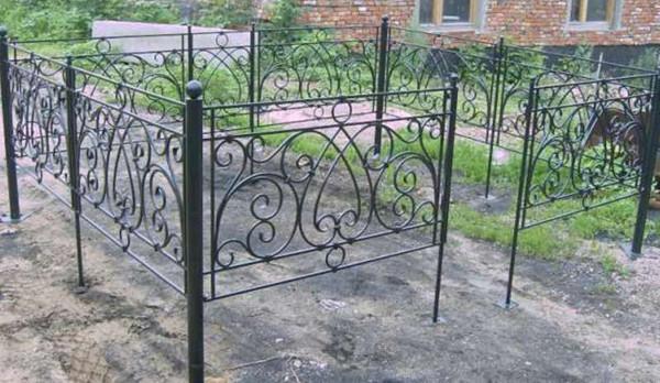 Кованые изделия оградки