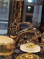 Смеситель на раковину золото