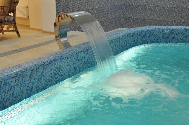 водопад кобра, водопад для частного бассейна.