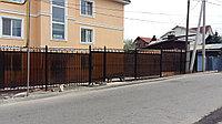 Забор кованный с поликарбонатом