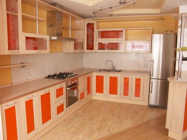 Кухонные гарнитуры с фурнитурой BLUM (Блюм)
