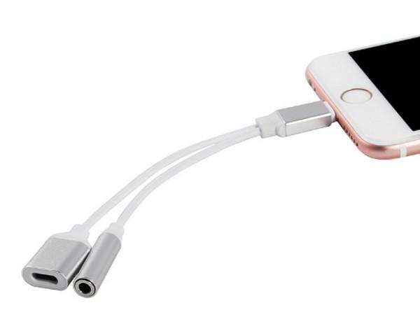 Кабель-переходник 2 в 1 для подключения наушников и зарядки iPhone 7