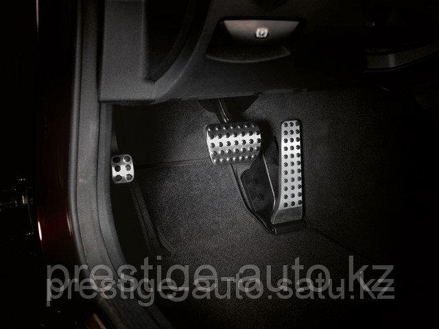 Комплект педалей AMG E-Klass