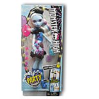 Кукла Монстр Хай Эбби Боминейбл Вечеринка монстров, Abbey Bominable Party Ghouls.
