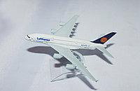 "Самолет-сувенир, ""Lufthansa"""