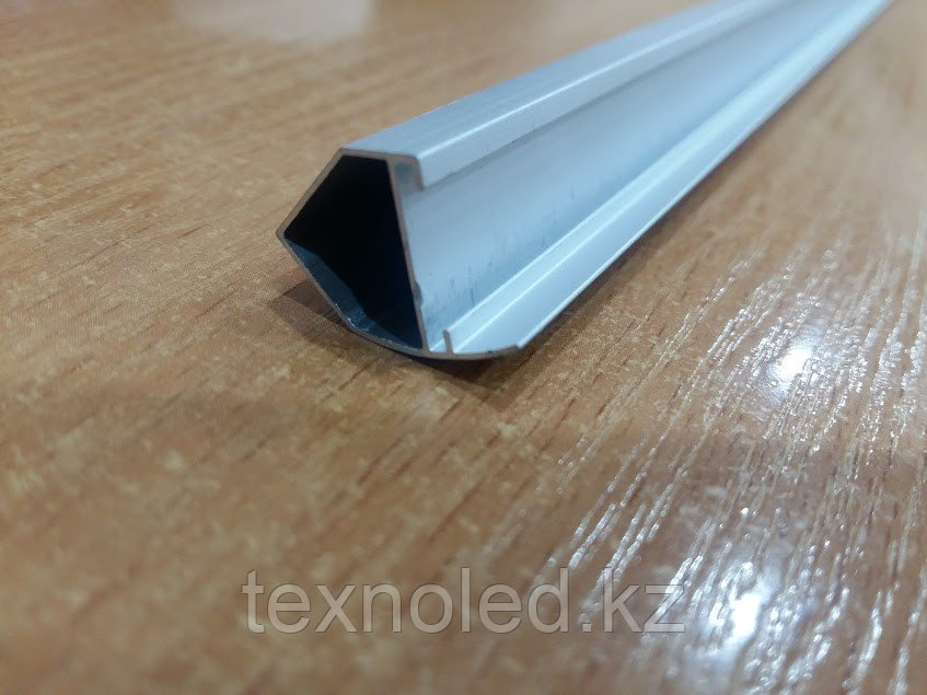 Алюминиевый   профель для Led угловой ветринный