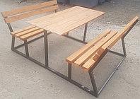 Стол с двумя скамейками