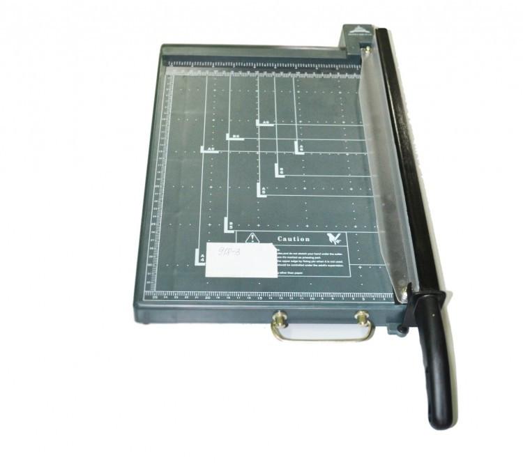 Резак для бумаги 918-3 A4 серый пластик с фиксатором