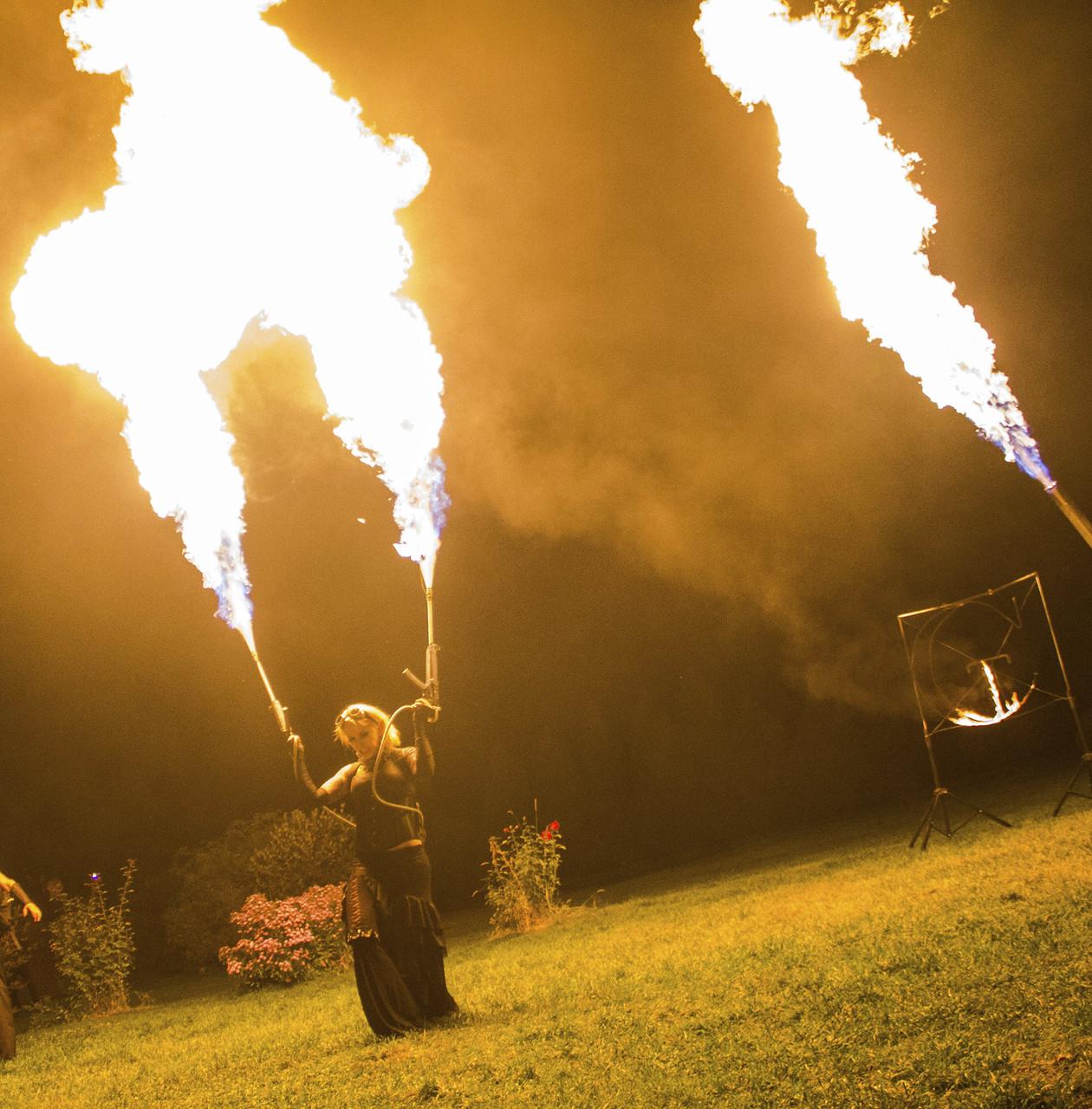 Огнемет шоу! 2 Соло огнемета и Дракон! Встреча гостей.