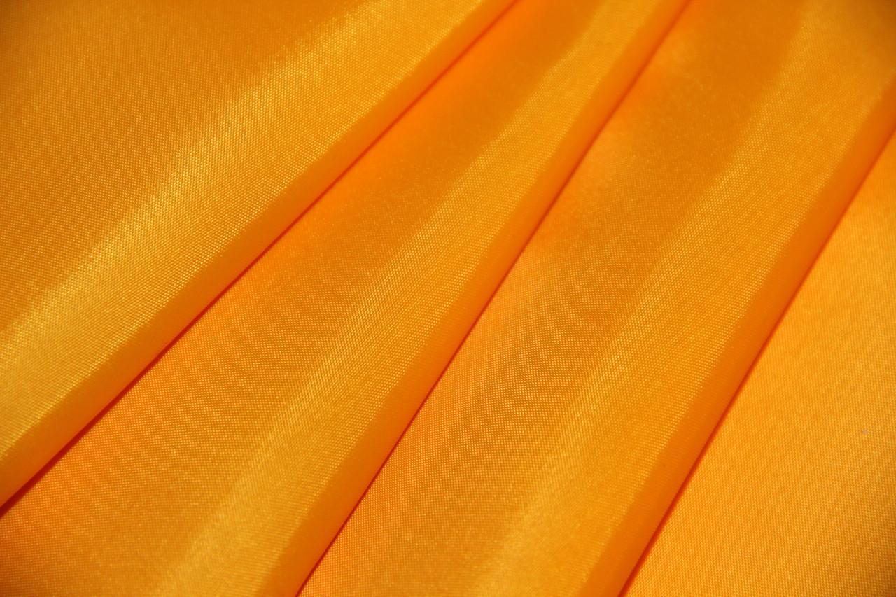 Тентовая ткань 610 гр. желтый (2,5м х 50м)