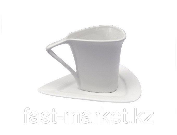 Кружка керамическая белая с блюдцем