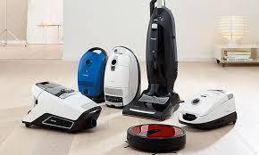 Пылесосы, роботы пылесосы, мойщики окон и пароочистители.
