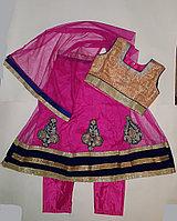 Индийский детский костюм Сальвар камиз (платье,платоки штанишки).