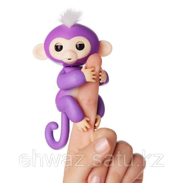 Обезьянка Fingerlings на пальчик Прилипунцель Мия