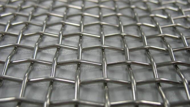 Сетка нержавеющая тканая с прямоугольными ячейками среднего размера
