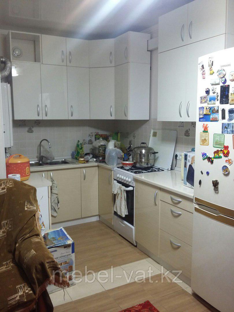 Кухня в три этажа на заказ
