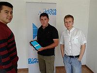 20 августа 2014 года наша организация удостоилась награды от портала SATU.KZ. Призом оказался планшет Samsung galaxy tab 4. На фото наши сотрудники с представителем портала SATU.KZ.