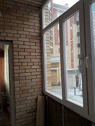Установка металлопластиковой конструкции (балконная рама) с двухкамерными стеклопакетами.