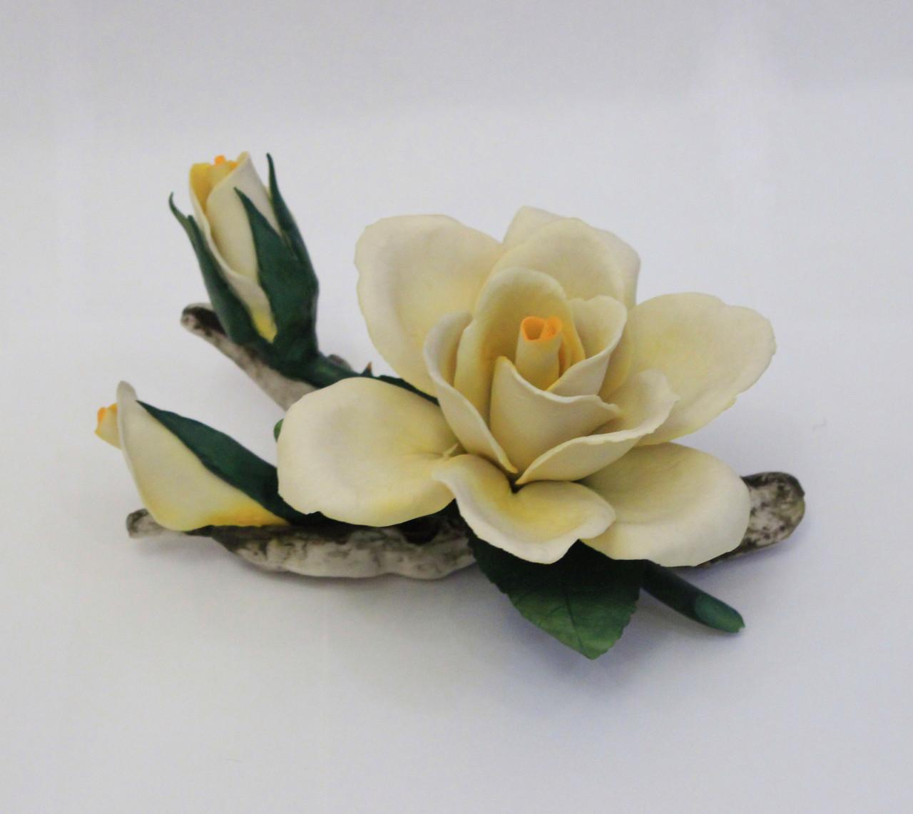 Фарфоровый цветок Роза с двумя бутонами. Италия. Ручная работа