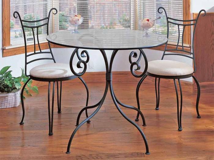 Кованые столы стулья
