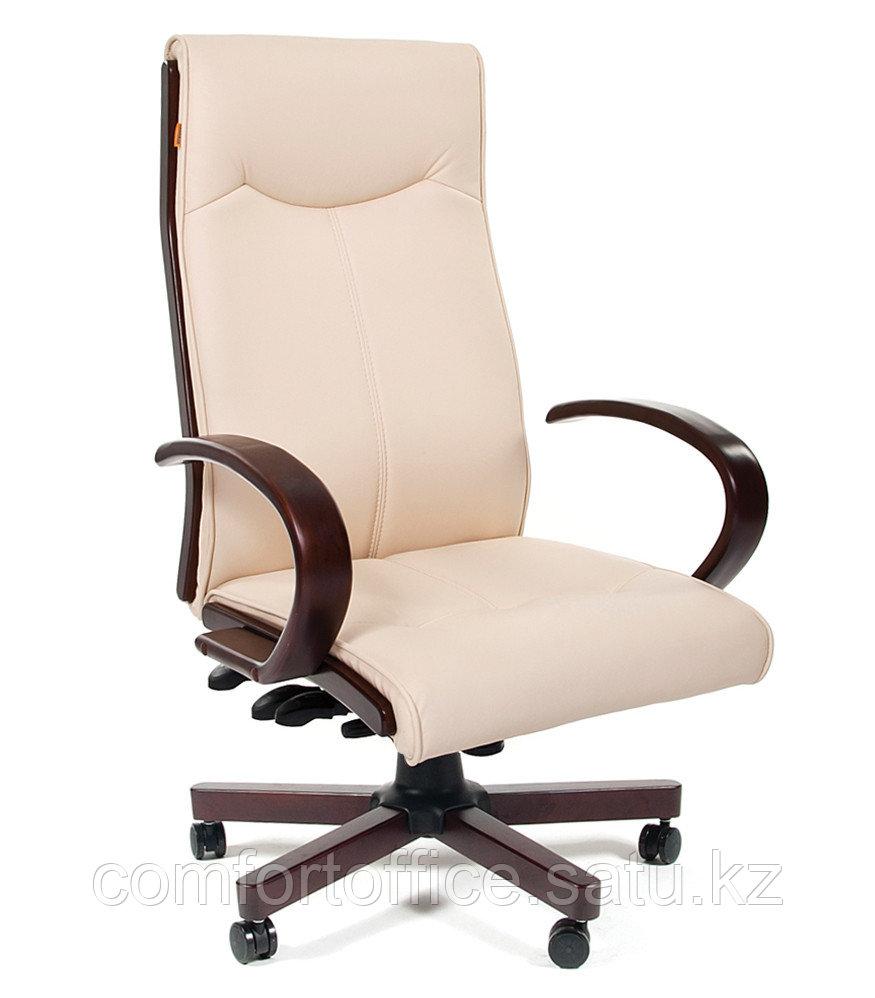 Кресло для руководителя в бежевом цвете