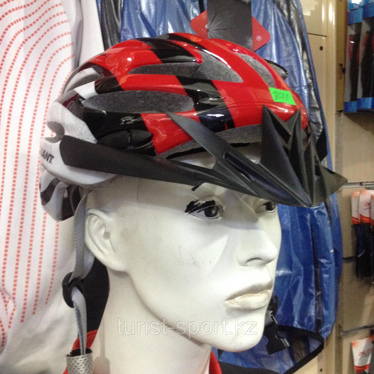 Велосипедный шлем красный