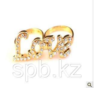Кольцо Love