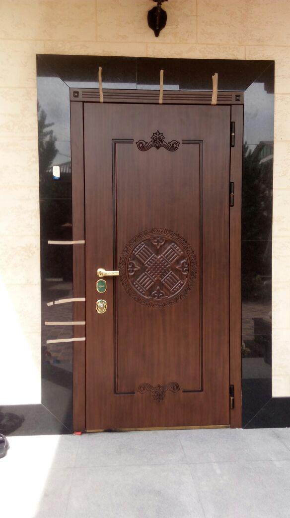 Реставрация входной двери из дерева