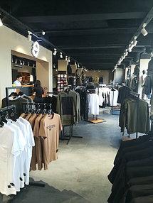 Торговое оборудование для сети магазинов одежды ZERO.  1