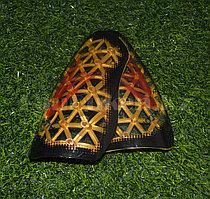 Футбольные щитки под гетры Unisport (золотистые)