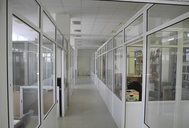 Алюминиевые стеклянные офисные перегородки