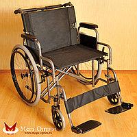 Надежная инвалидная коляска с сиденьем 61 см и удобной единой ручкой FS 874 B-51