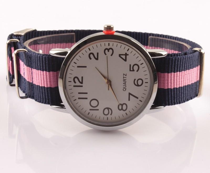 Женские часы с нейлоновым ремешком