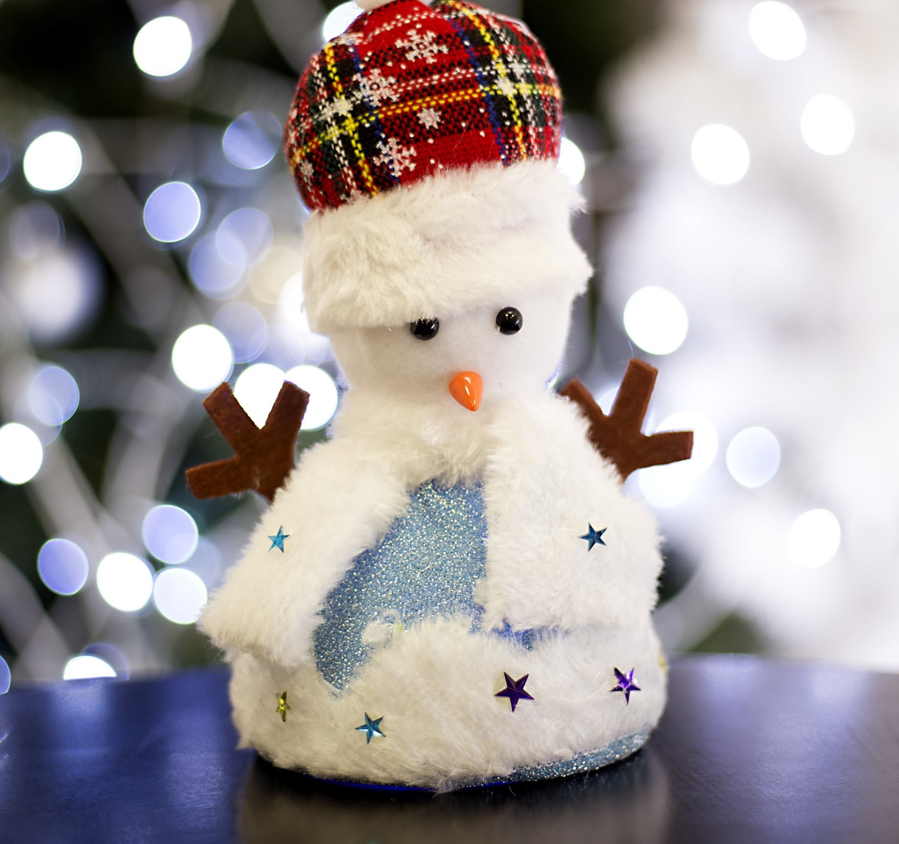 "Игрушка световая ""Праздничный снеговик"" (батарейки не комплекте) 15х20 см, 1 LED RGB, СИНИЙ"