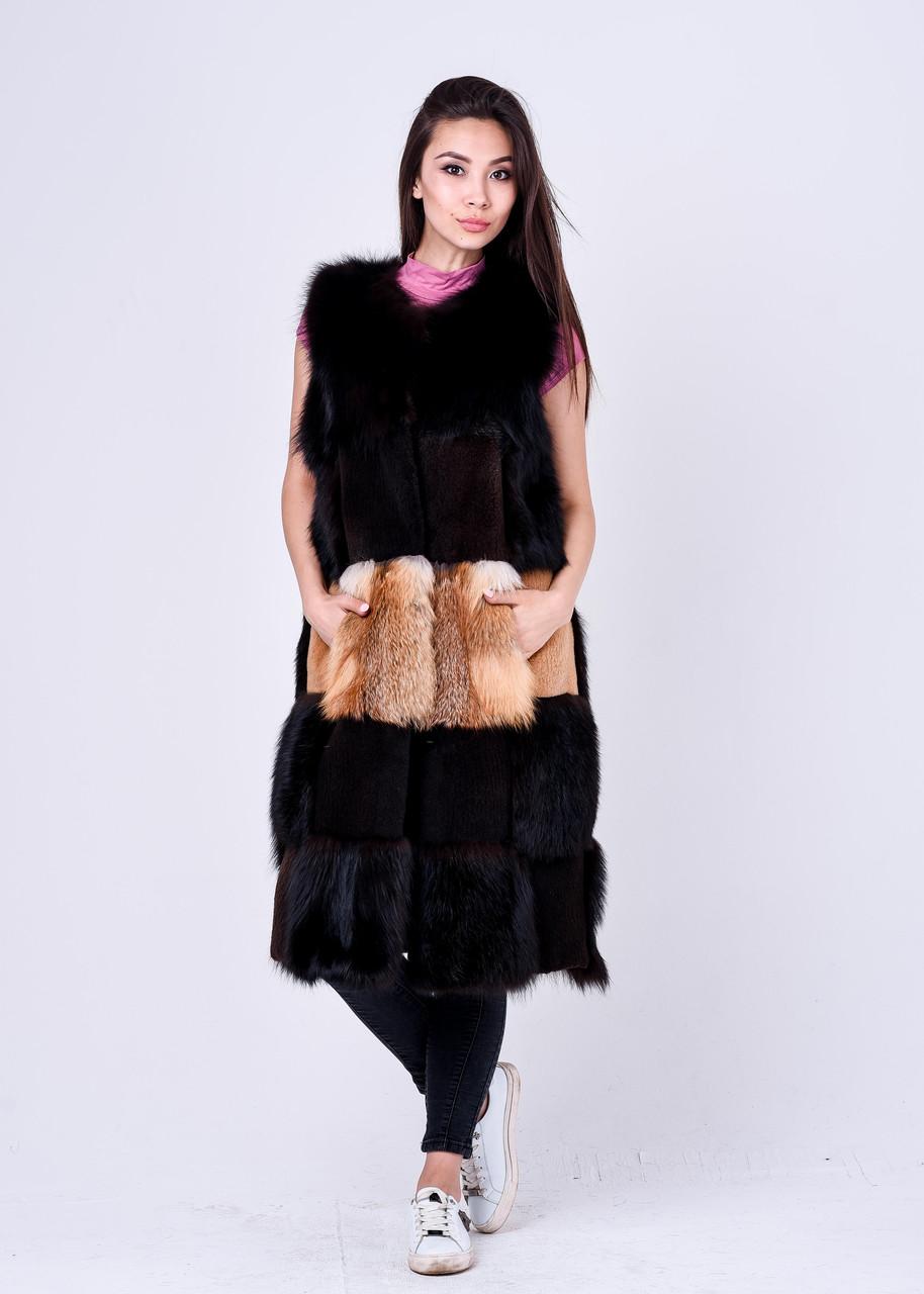 Длинная меховая жилетка с накладными карманами из лисы