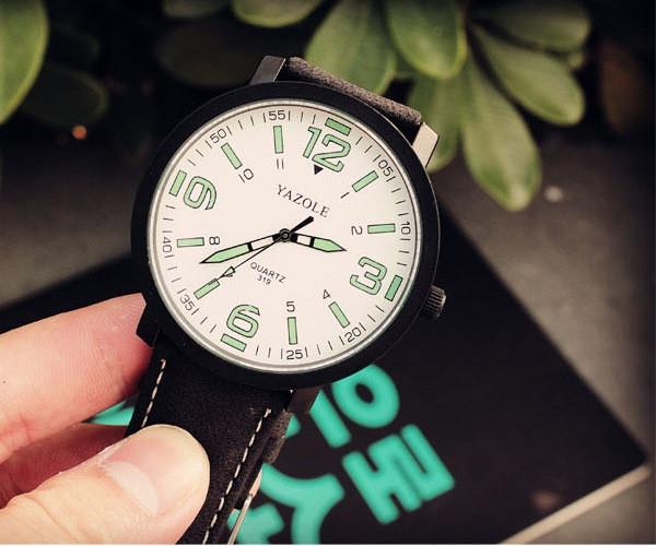 Часы Yazole 319 горящие цифры