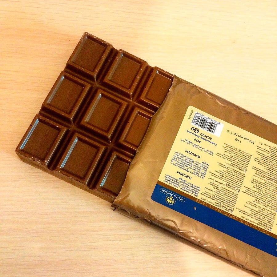 Молочный шоколад Ariba Latte Pani, Италия плитка 1 кг