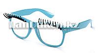 Карнавальные очки с ресницами (голубые)
