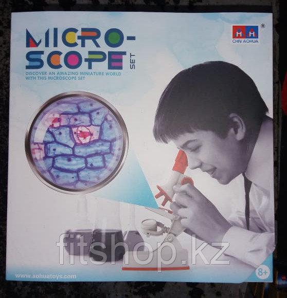 Микроскоп детский с набором для исследований, световые эффекты, работает от батареек