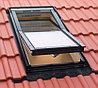 Мансардное окно 114х118 Fakro FTS-V U2 с окладом EZV для металлочерепицы