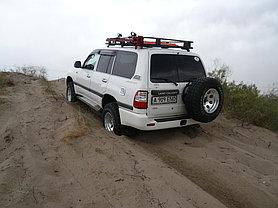 Toyota Land Cruiser 105 -1