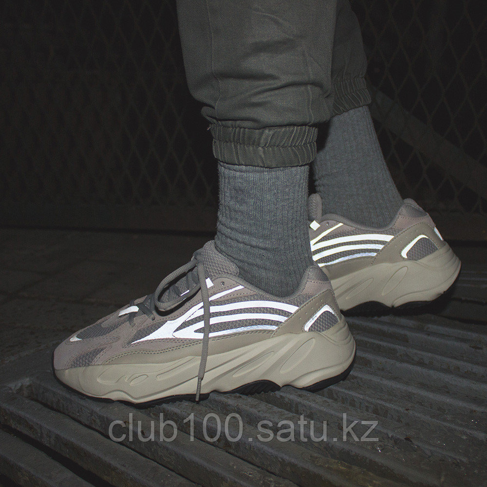 "879cf1aed Кроссовки Adidas Yeezy Boost 700 V2 ""Static"""