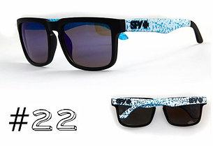 Солнцезащитные очки SPY+ Helm, черная оправа, бело-голубые дужки., фото 2