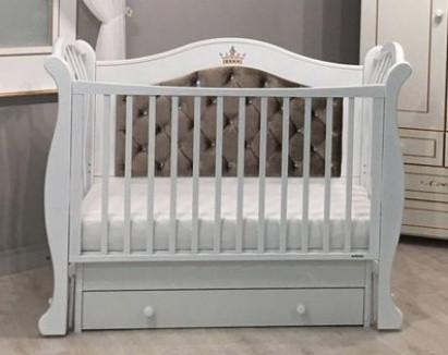 Кровати и манежи