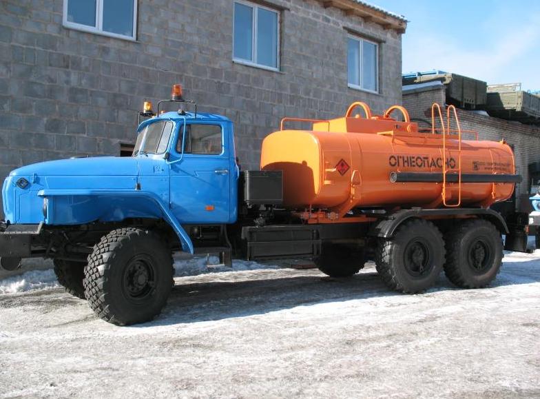 Топливозаправщик АТЗ-10-4320 (Урал)